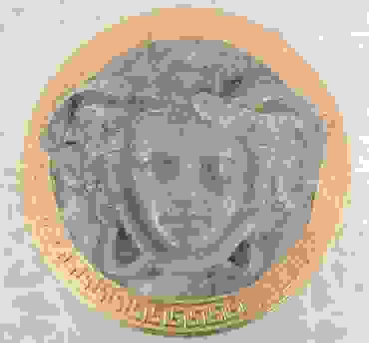 Marmormalerei in Azul Cielo einer Medusa mit blattvergoldetem Rand Illusionen mit Farbe Flur, Diele & TreppenhausAccessoires und Dekoration