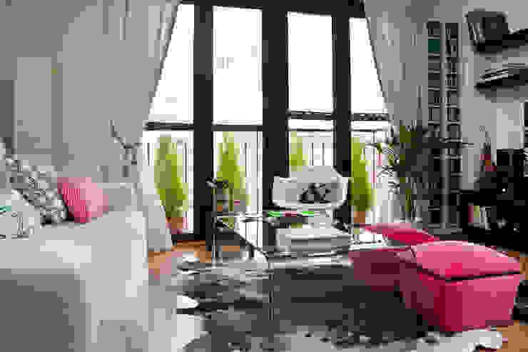 Гостиная в стиле модерн от www.rocio-olmo.com Модерн