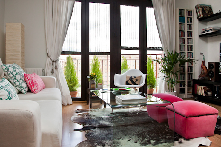Modern living room by www.rocio-olmo.com Modern