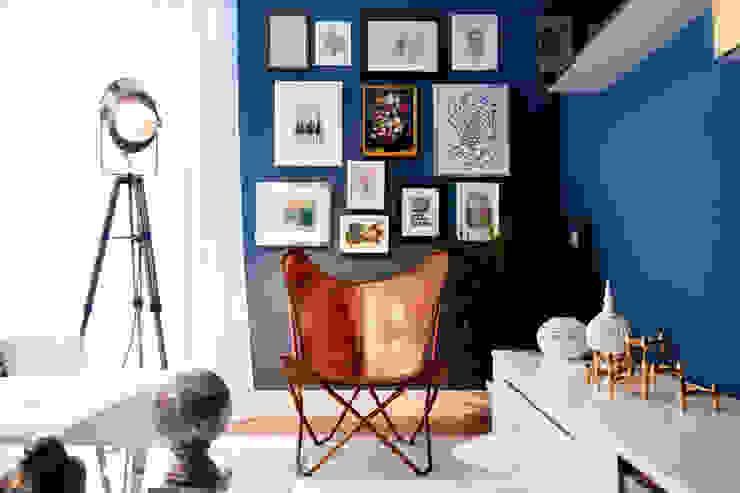 Mediterranean style living room by www.rocio-olmo.com Mediterranean