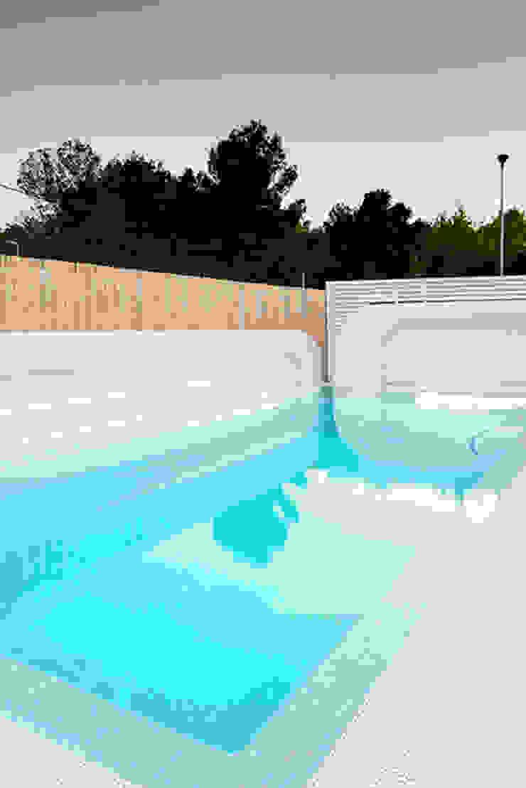 Chiralt Arquitectos Modern pool