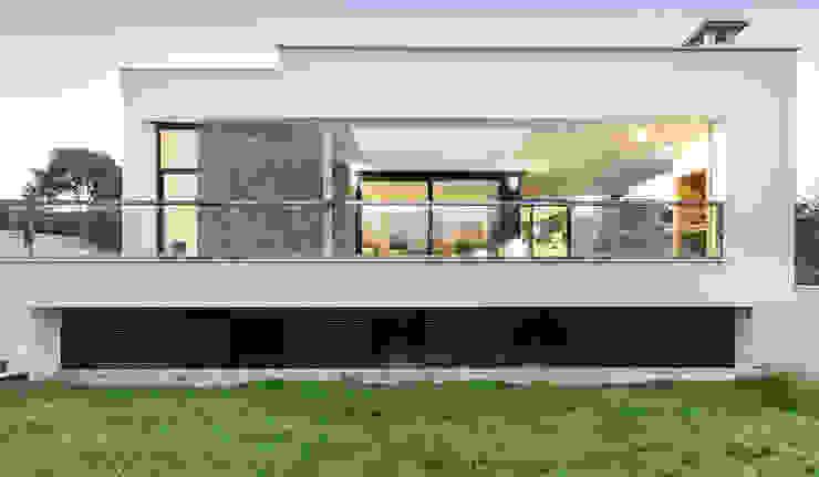 Fachada de la terraza de la Casa Gerard - Chiralt Arquitectos Casas de estilo minimalista de Chiralt Arquitectos Minimalista
