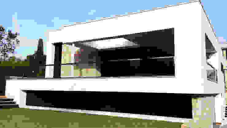 Chiralt Arquitectos Minimalist houses