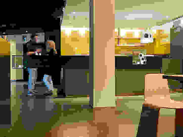 bar Qubik di waltritsch a+u Moderno