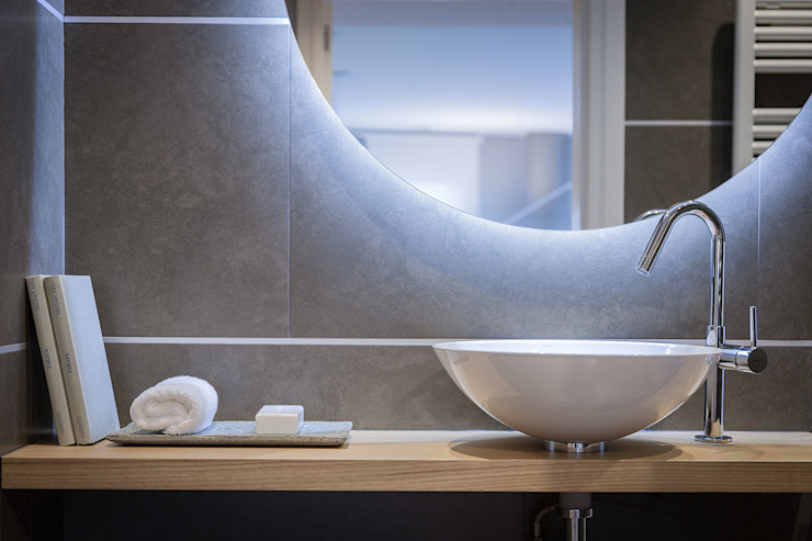 Bathroom by Urbana Interiorismo, Minimalist