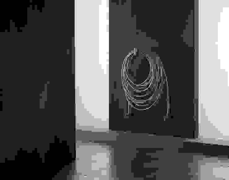 VD 0106 par Varela Design Moderne