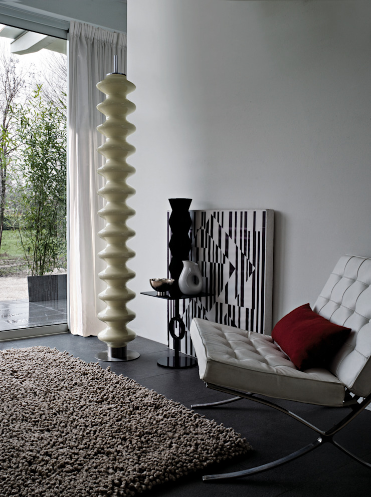 VD 4513 par Varela Design Moderne