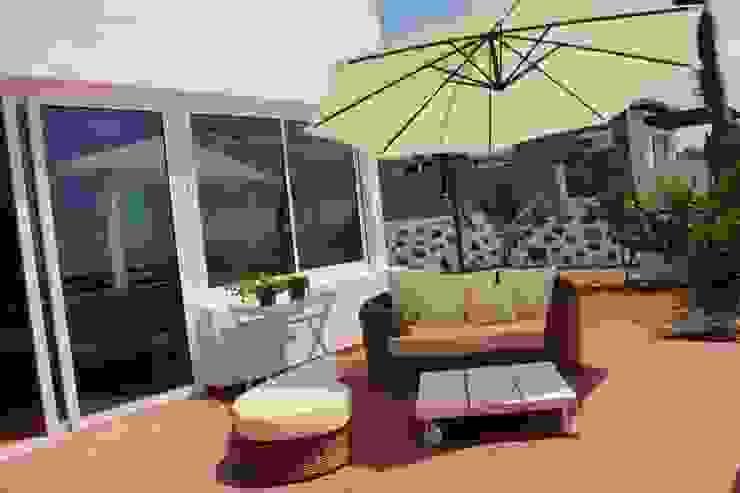 Varandas, alpendres e terraços mediterrâneo por Tatiana Doria, Diseño de interiores Mediterrâneo
