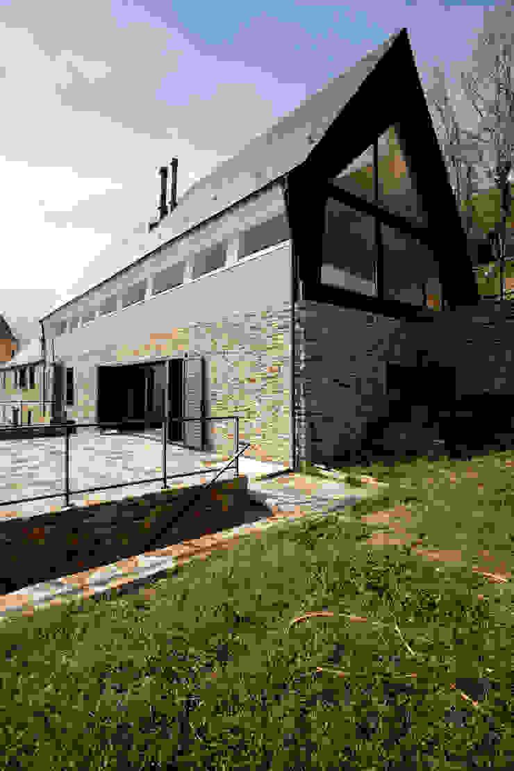 Modern houses by Cadaval & Solà-Morales Modern