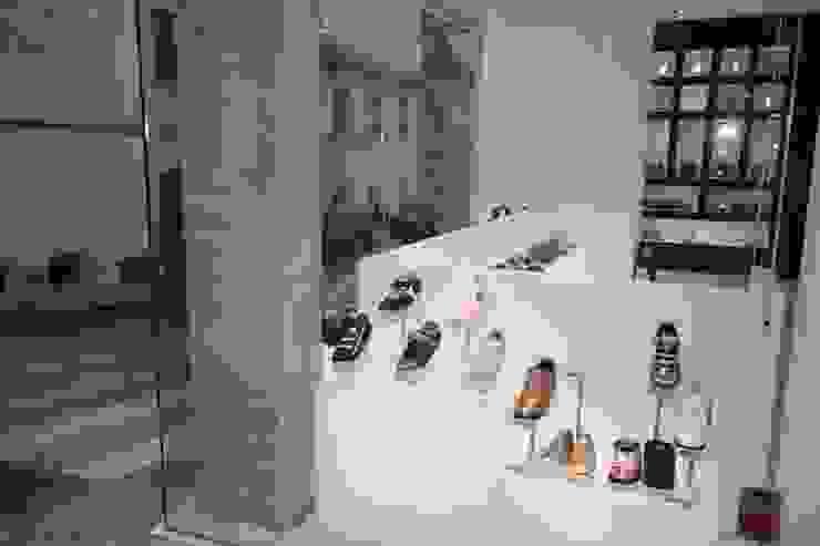 Minimalistische winkelcentra van Estudio Sergio Castro arquitectura Minimalistisch