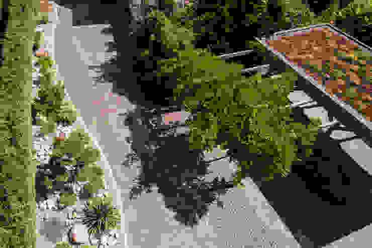 Steingarten mit Gartenbonsai Ausgefallener Garten von Oswald Gärten Ausgefallen