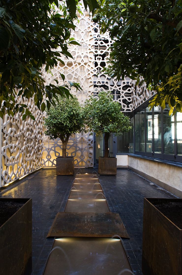 Hotel EME in Seville, Spain Donaire Arquitectos 露臺