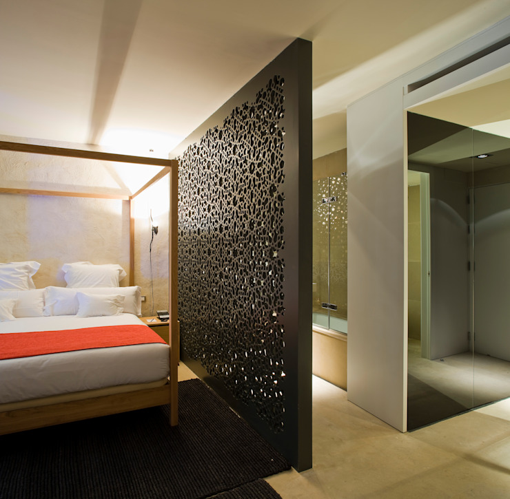 Hotel EME in Seville, Spain by Donaire Arquitectos Еклектичний