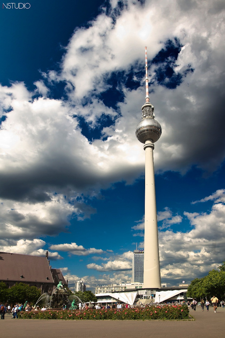 Fernsehturm TV Tower:  de estilo industrial de NSTUDIO, Industrial
