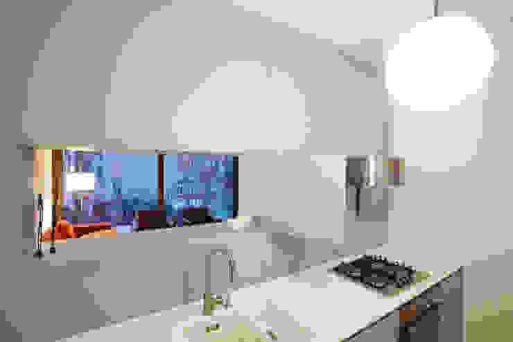 Cucina moderna di büro für interior design Moderno