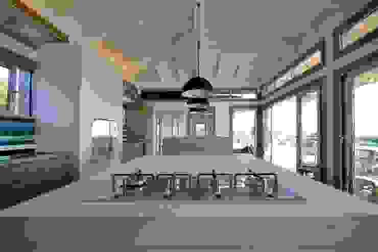 Cuisine en béton -Spérone par Concrete LCDA Moderne