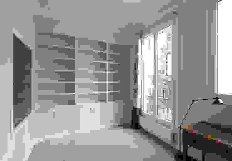 Appartement Saint Germain des Pres Bureau moderne par FELD Architecture Moderne