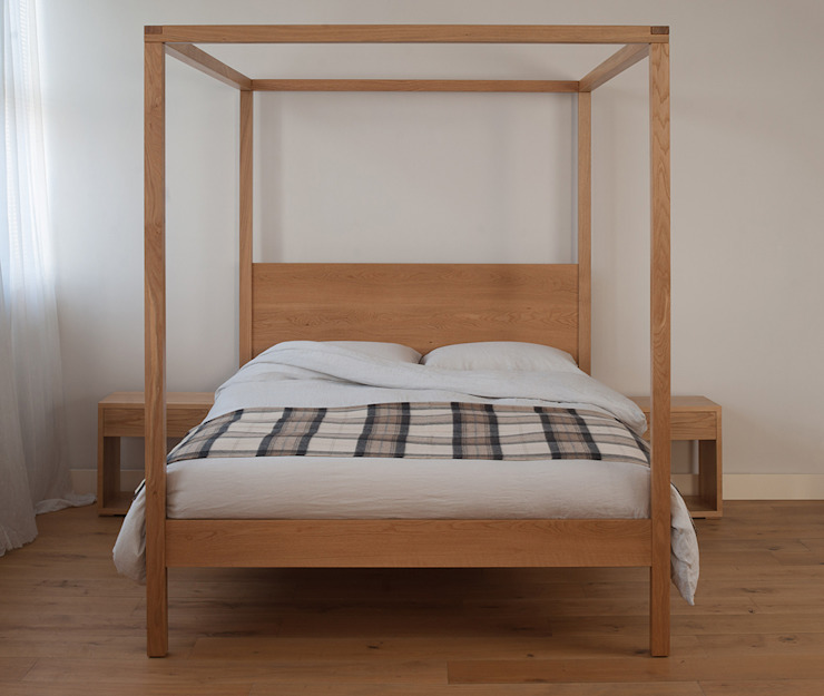 Orchid Four Poster: modern  by Natural Bed Company, Modern