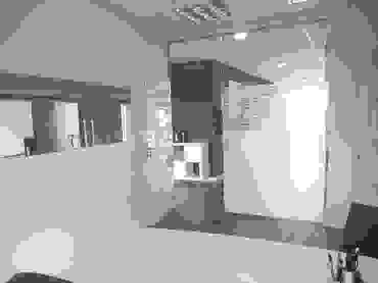 Acondicionamiento de oficinas y locales de Tatiana Doria, Diseño de interiores Moderno