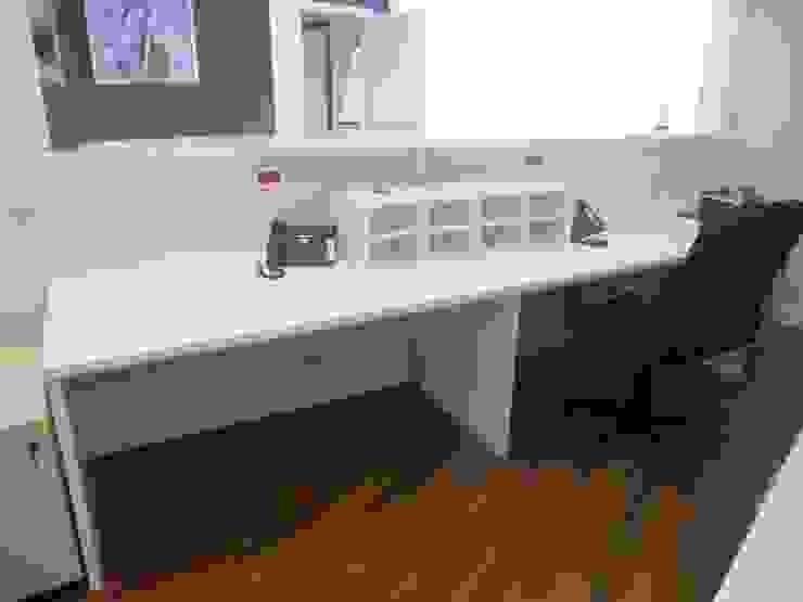 Mobiliario a medida para oficinas y locales de Tatiana Doria, Diseño de interiores Moderno