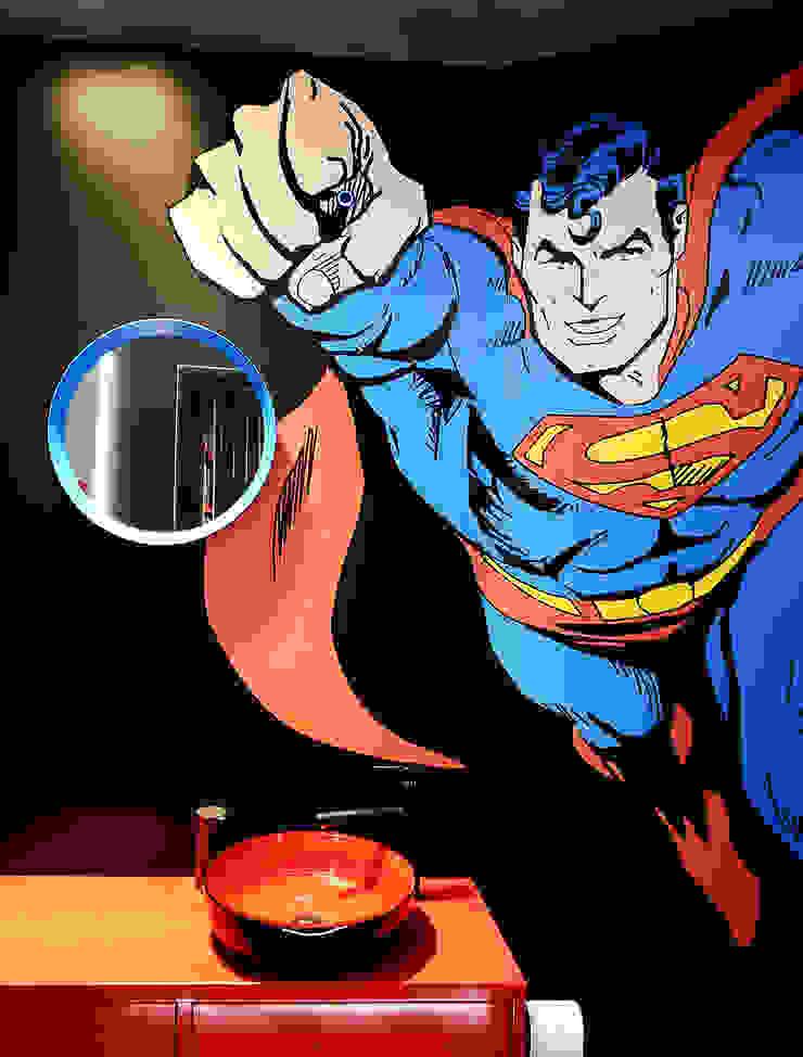 łazienka z Supermenem od TG STUDIO Industrialny