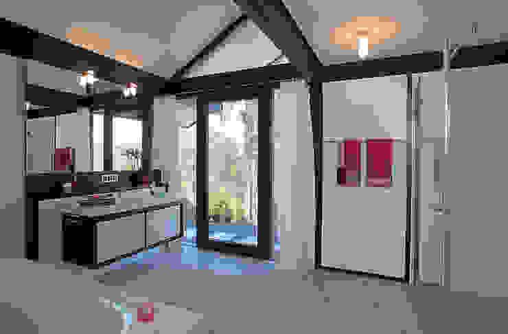 Traum-Alterswohnsitz im Westerwald Moderne Badezimmer von DAVINCI HAUS GmbH & Co. KG Modern