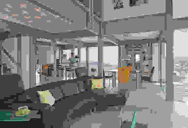 Гостиная в стиле модерн от DAVINCI HAUS GmbH & Co. KG Модерн