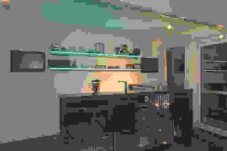 Comedores de estilo moderno de DAVINCI HAUS GmbH & Co. KG Moderno