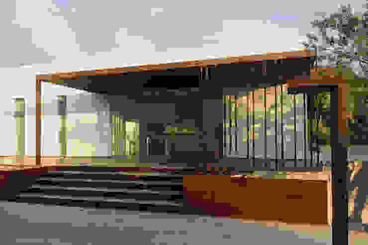 VILLA B&D Balcones y terrazas de estilo mediterráneo de COTTONE+INDELICATO ARCHITETTI Mediterráneo