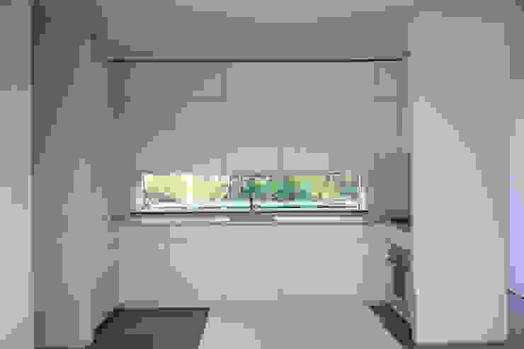 VILLA B&D Cocinas de estilo minimalista de COTTONE+INDELICATO ARCHITETTI Minimalista