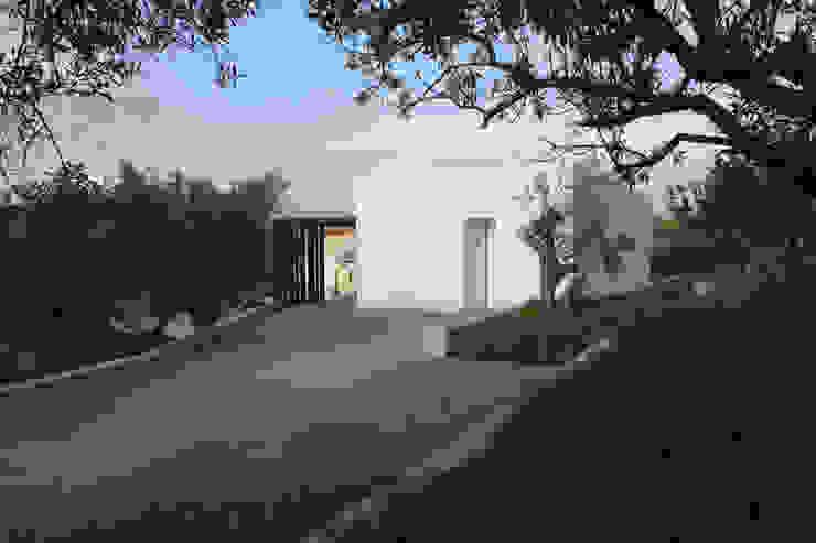 VILLA B&D Casas de estilo mediterráneo de COTTONE+INDELICATO ARCHITETTI Mediterráneo