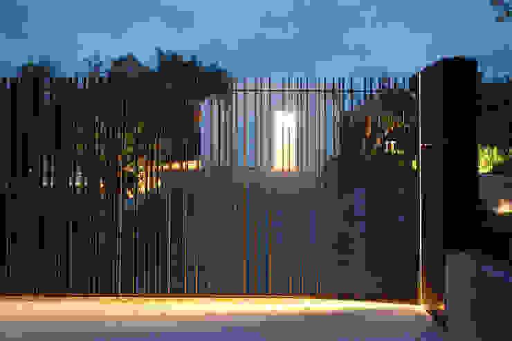 villa B&D Case in stile minimalista di COTTONE+INDELICATO ARCHITETTI Minimalista