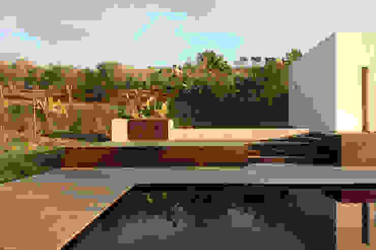 villa B&D di COTTONE+INDELICATO ARCHITETTI Minimalista