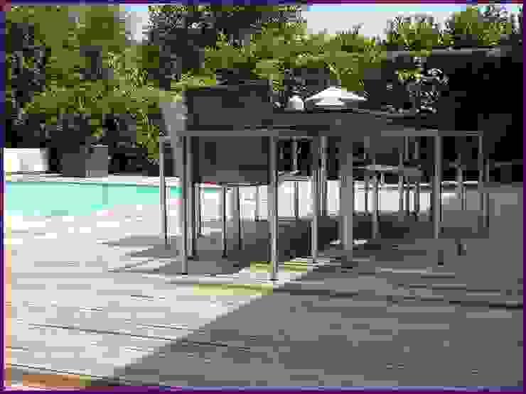 www.karineperez.com Balcon, Veranda & Terrasse modernes par Agence KP Moderne