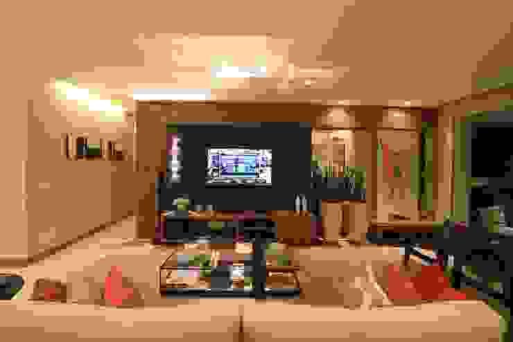 de CASA Arquitetura e design de interiores Moderno