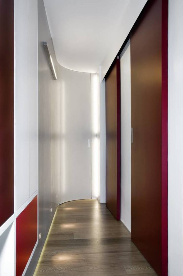 Modern corridor, hallway & stairs by Carmela Fasano Photographer Modern
