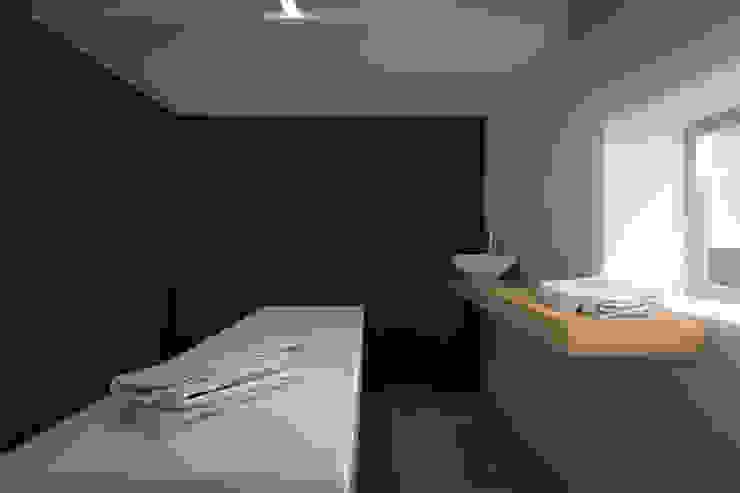 Moderne badkamers van LAB255 Modern