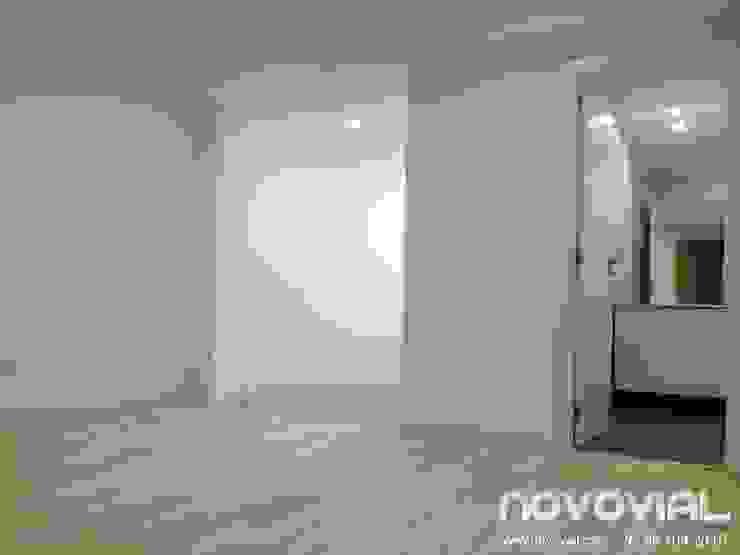 Estudio Valencia Estudios y despachos de estilo moderno de Novovial Empresa Constructora Moderno
