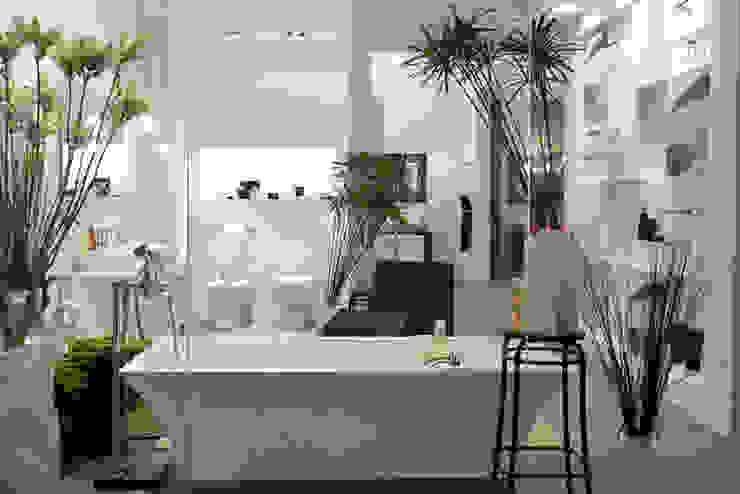 Baños de estilo moderno de Lucarelli Rapisarda Architettura & Design Moderno