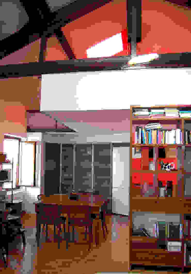 casa privata Soggiorno moderno di Lucarelli Rapisarda Architettura & Design Moderno