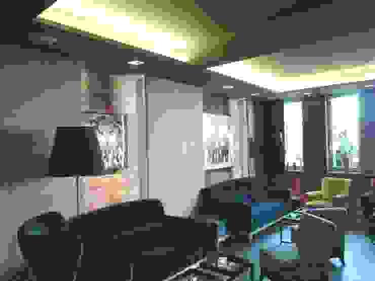 Hoteles de estilo moderno de Bolz Licht und Wohnen · 1946 Moderno