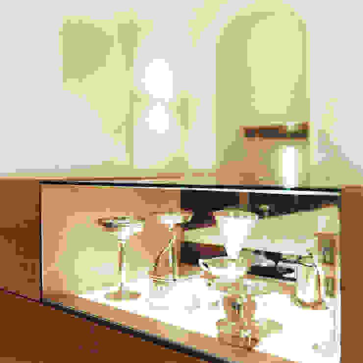 Vitrine Frühstücksraum Moderner Multimedia-Raum von Marius Schreyer Design Modern