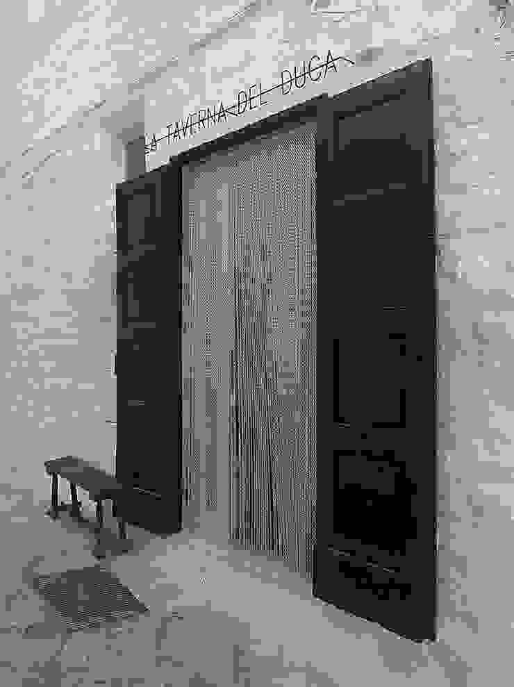 La Taverna del Duca Negozi & Locali commerciali in stile mediterraneo di DED'A STUDIO ARCHITETTI ASSOCIATI Mediterraneo