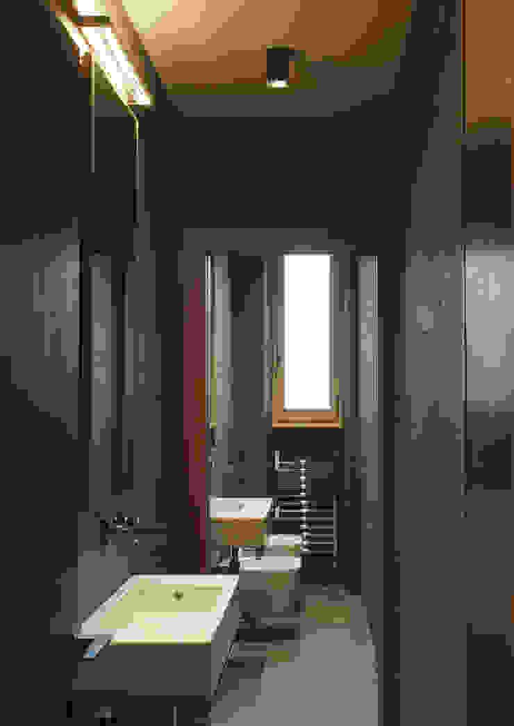 Modern bathroom by G. Giusto - A. Maggini - D. Pagnano Modern
