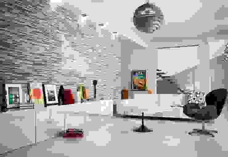 Brix Stratum Anthracite Wall Tiles de homify Moderno