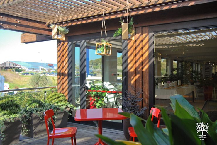 Pop Garden di Land Arch Zone Minimalista