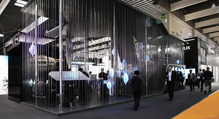 YOTA DEVICES PAVILION, MOBILE WORLD CONGRESS, 2013 Diseño de ferias de EXTERNAL REFERENCE ARCHITECTS