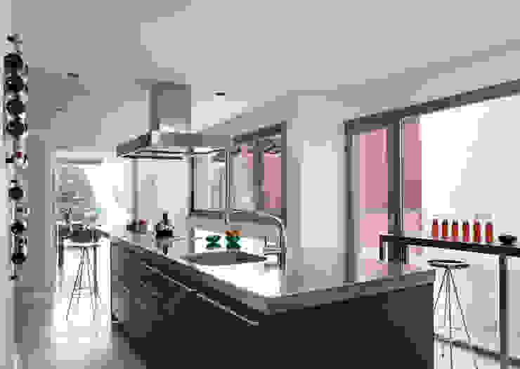 Casa en Andratx Cocinas de estilo minimalista de Octavio Mestre Arquitectos Minimalista