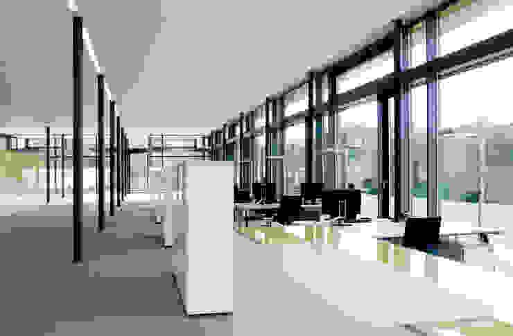 Casas modernas de Marius Schreyer Design Moderno