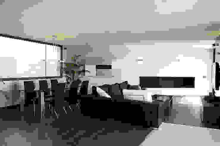 House at Pineda de Mar Living room by Octavio Mestre Arquitectos